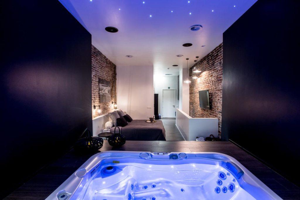 maxime pellot nuits insolites belgique butterfly. Black Bedroom Furniture Sets. Home Design Ideas
